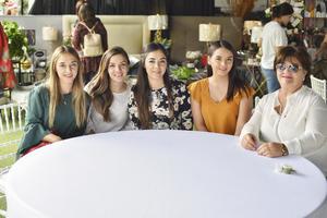 Jaqueline, Karen, Yaressy, Lorena y Paty