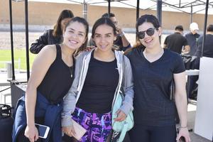 Fernanda, Jaqueline y Jessica