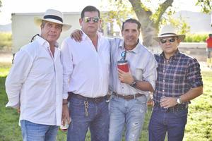 Arturo, Mauricio, Nicasio y Gustavo