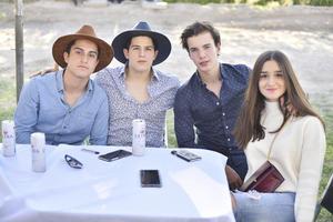 Luciana, Fernando, Bernardo y Diego