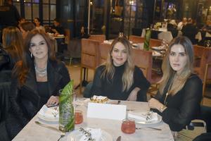 Ana Laura, Monica y Ana