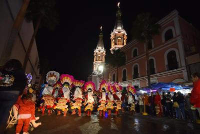 Danzantes se dieron cita para celebrar a la Virgen de Guadalupe.