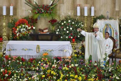 El obispo de la Diócesis de Torreón, Luis Martín Barraza Beltrán, encabezó la celebración.