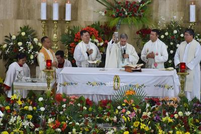 Previamente el obispo, en su mensaje llamó a la unidad de las familias.