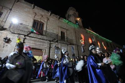 Danzas y alimentos característicos de la gastronomía mexicana, se pueden ver en el lugar.
