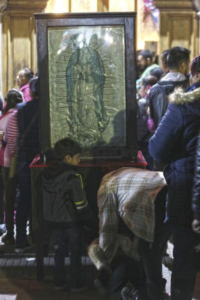 De acuerdo con las tradiciones populares, el martes 12 de diciembre de 1531, la Virgen de Guadalupe se le apareció por cuarta ocasión al indígena Juan Diego.