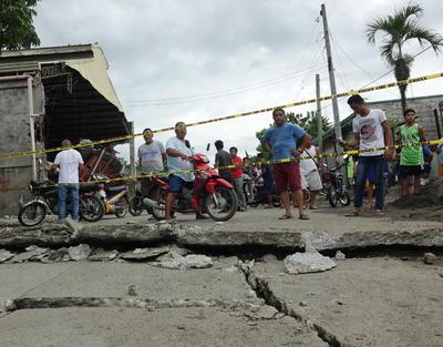 El sismo estuvo seguido de decenas de réplicas.