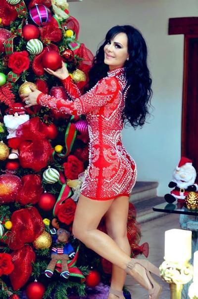Celebridades se alistan para recibir la fiesta de Navidad