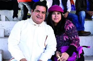 18122019 EN PAREJA.  Luis y Rosy.