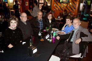 20122019 Ruth, José, Eduardo, Tere, Mussy y León.