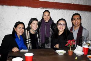 20122019 Ana, María, Rosario, Alejandra y Toño.