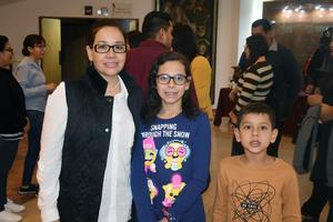 21122019 Diana, Alegra y Emiliano.