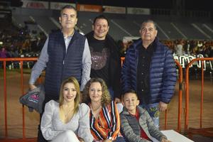 Miguel, Valeria, Diana, Gerardo, Diego y Gustavo