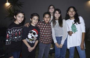 Sebastián, José, Diego, Alitza, Victoria y María José.