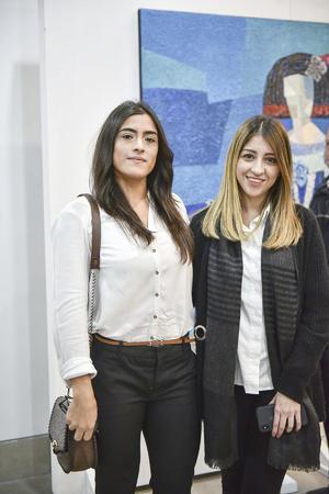 Claudia García y Victoria Marquez.