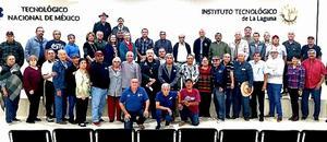 22122019 CONTENTOS.  Reunión de jubilados del Tec de la Laguna y Tec de Torreón, con su presidente, Tec. Napoleon Alcala; y secretario, Miguel Gómez Ch.