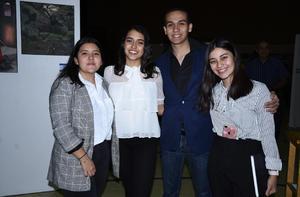 23122019 ENTRE AMIGOS.  Ana Fer Pérez, Andrés Guevara, Jimena Aguilera y Nicole de la Torre.