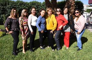 24122019 REUNIóN DE CUMPLEAñOS.  Cony Escamilla cumplió un año más de vida por lo que Nelly, Xochitl, Vicky, Rosario, Laura y Flor la felicitaron ampliamente.