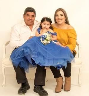 22122019 Padrinos, Daniel Sánchez Casimiro, Regina y Guadalupe Briseida Cabrales Garnica.