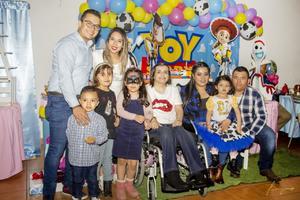 22122019 Fernando, Fernanda, Kaleb, Mariana, Pamela, Rosa y Eduardo, entre otros.