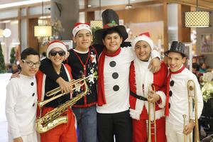 25122019 Eduardo, Gael, Marlon, José, Víctor y Leonardo.