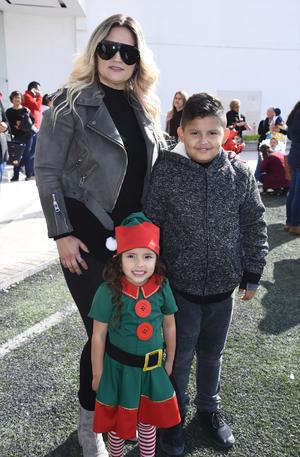 25122019 EN FAMILIA.  Esmeralda Ogazón Rangel, Matías Alejandro Pineda Ogazón y Khia Renee Pineda Ogazón.
