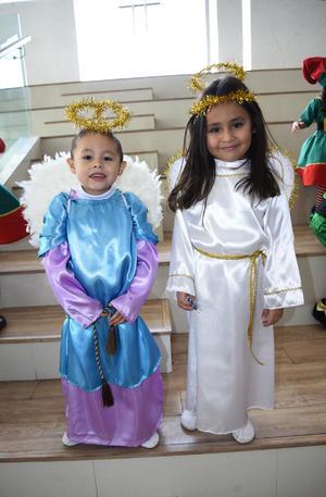 25122019 LINDOS ANGELITOS.  Diego y Sara.