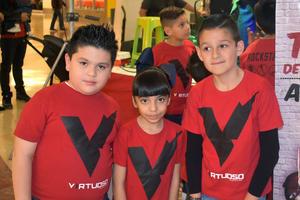 27122019 Fabian, Romina y Jaime.