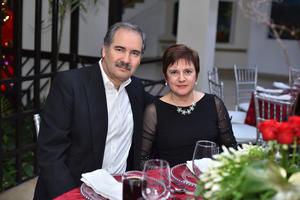26122019 DE FIESTA.  Jesús Robles y Laura Sada.