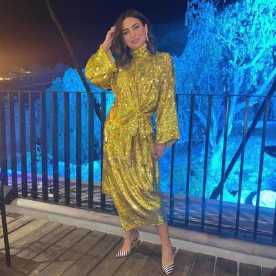 Vestidazo. Con un atuendo dorado Ana Brenda impactó a fans.