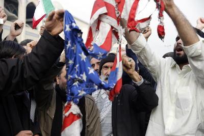 Supervisaba a las milicias respaldadas por Teherán en ambos países árabes.