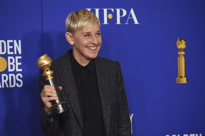 La comediante, actriz, productora y conductora Ellen DeGeneres es reconocida con el galardón de 'Carol Burnett' por su trayectoria como activista y primera celebridad en abrir abiertamente sobre los derechos de la comunidad LGBT+.