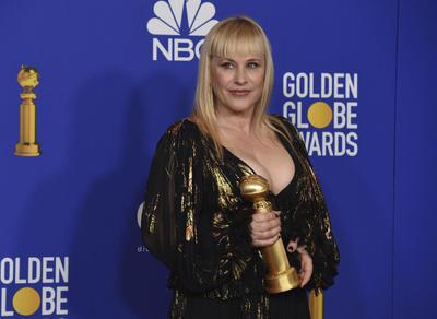 Mejor actriz de reparto en miniserie o película para TV Patricia Arquette, The Act