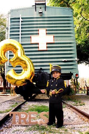 05012020 El pequeño Jonathan Samuel Soto González celebrando tres años de vida.
