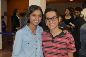 04012020 EN EL TEATRO.  Michelle y Óscar.