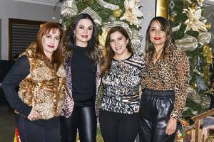 Claudia, Susy, Marce y Lupita.