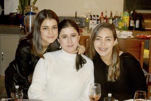 Sofia, Marifer y Regina