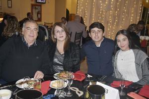 Ricardo, Hidalia, Alonso y Mariana