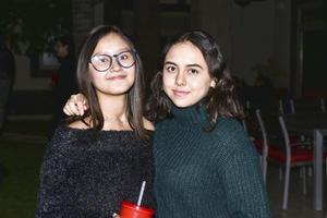 Valeria y Andrea.