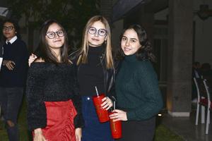 Valeria,Ely y Andrea.