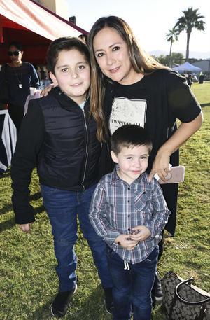 Diana Barrios, Matías Carmona y Santiago Galván