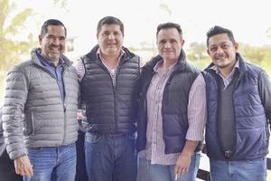 Osvaldo, Jorge, Héctor y Jorge