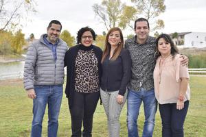 Osvaldo, Sofía, Ana Isabel , Luis Antonio y Rosa