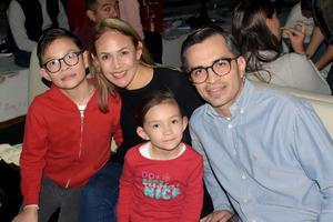 08012020 Mario, Alejandra, Isabela y Mario.