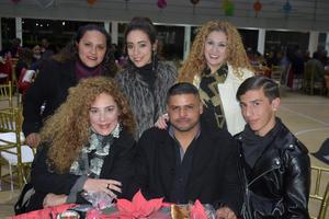 09012020 RECIENTE CELEBRACIóN.  Cinthya, Michelle, Ale, Oswaldo, Aracely y Álvaro.