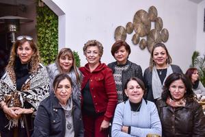 09012020 PRIMERA REUNIóN DEL AñO.  Rosy, Nora, Soco, Bety, Pilar, Rocío, Nina y Tere, integrantes del Club de Jardinería Alhelí, iniciaron sus actividades.
