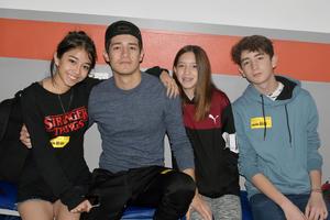 11012020 SE EJERCITAN.  Gabriela, Diego, María y Santiago.