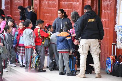 El operativo arrancó de forma simultánea en los planteles desde preescolar hasta secundaria.