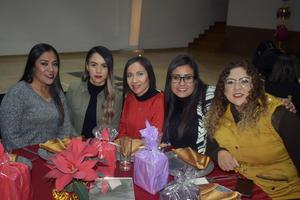 13012020 RECIENTE CELEBRACIóN.  Brenda, Ana, Laura, Ileana y Sarahí.
