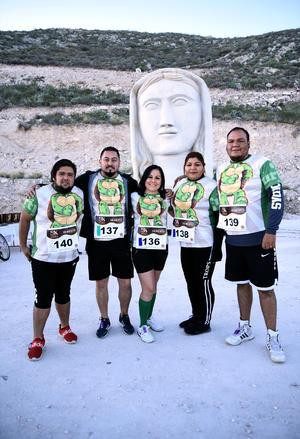13012020 CARRERA ATLéTICA.  Hugo López, Erick Rodríguez, Mary Rodríguez, Rosa Rodríguez y Carlos Aragón.